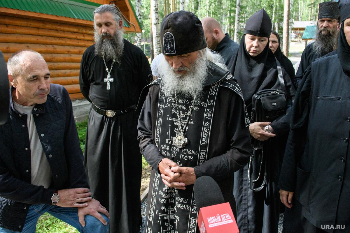 СК начал допросы людей из монастыря отца Сергия. «Следующая — монахиня»
