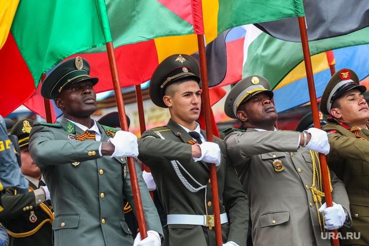 Парад Победы в Великой Отечественной войне. Тюмень, африканцы, парад победы, курсанты тввику, иностранные курсанты