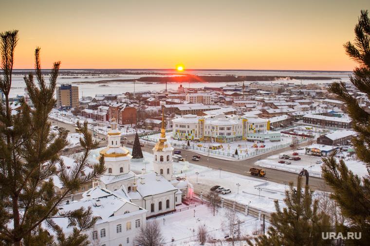Закат, город и стройки. Ханты-Мансийск., ханты-мансийск, закат