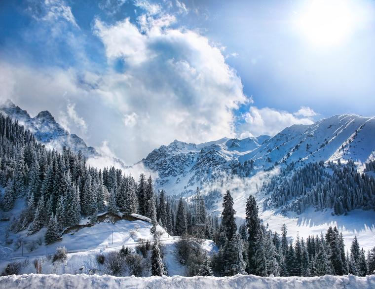 Яхты, ураган, горнолыжный курорт, горы, солнце, солнечная система, горы, альпинизм, вершина горы, горы зимой