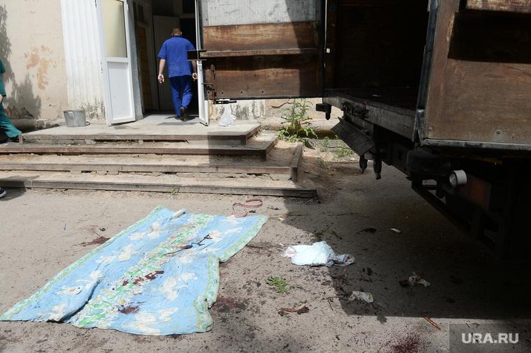 Морг Донецка. Погибшие ополченцы в аэропорту. Украина, кровь, морг