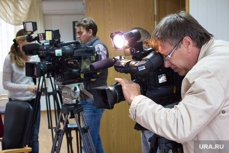 Пресс-конференция ЖКХ. Нижневартовск., камеры, операторы, журанлисты, телевидение