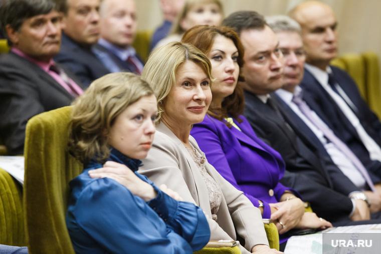 Партийная сессия Единой России в Первоуральске, чечунова елена