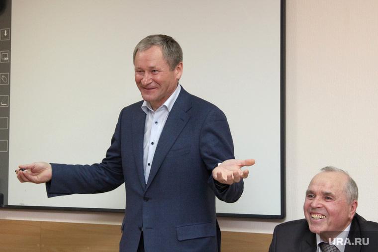 Встреча Алексея Кокорина  с членами его избирательного штаба.  Курган, кокорин алексей, куган борис