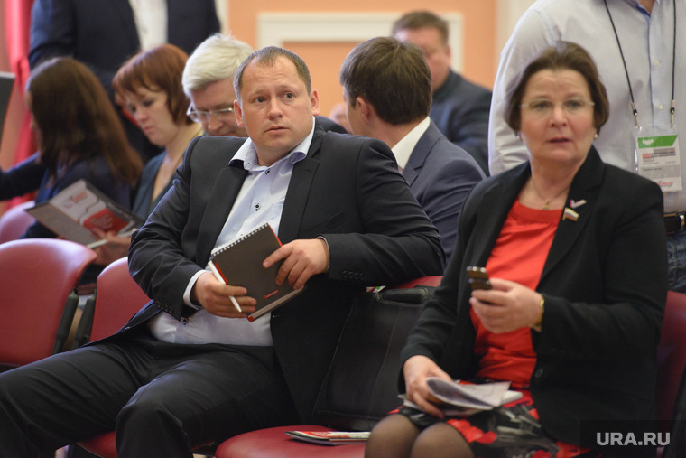 Перед Антикоррупционным форумом. Екатеринбург, фечина лариса, ярутин сергей