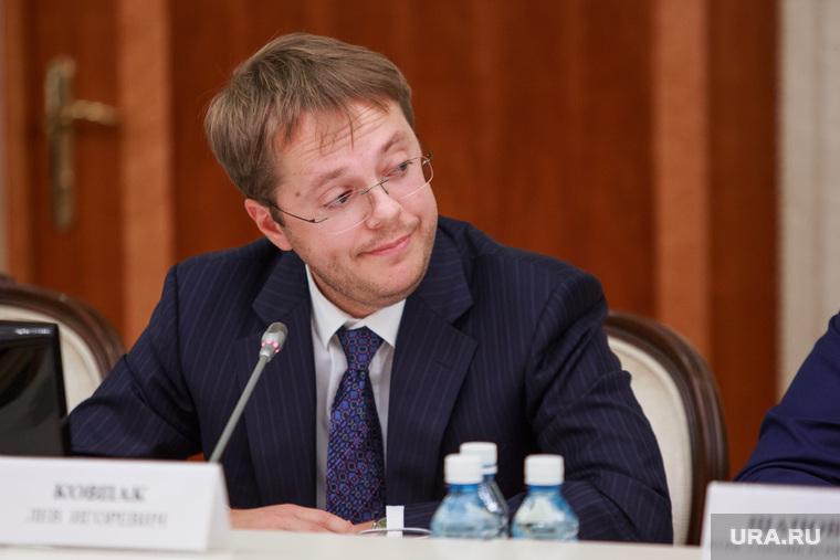 Совещание губернатора по ценам. Екатеринбург, ковпак лев
