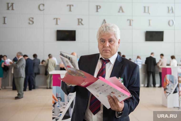 ИННОПРОМ-2014: проходка Дмитрия Медведева по выставке и пленарка. Екатеринбург, шихов рафаэль
