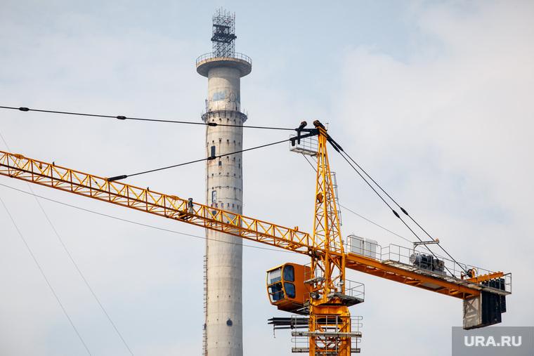 Бар «На работе» и парк Павлика Морозова. Екатеринбург, стройка, екатеринбург, недостроенная телевышка, башенный кран