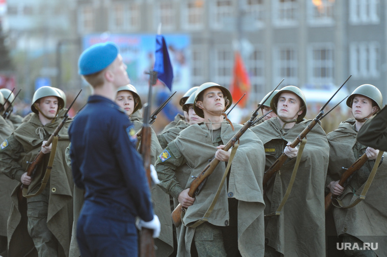 Генеральная репетиция парада 9 мая Челябинск, солдаты, парад