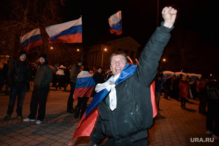 Крым. Референдум., митинг, победа, российские флаги