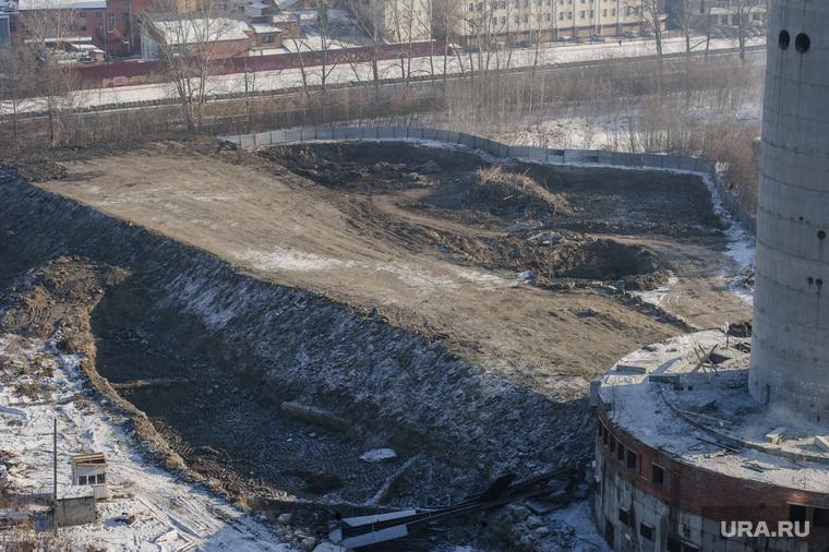 Виды Екатеринбурга, недостроенная телебашня, земляной вал