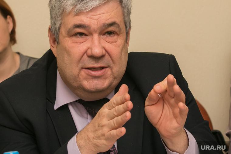 Заседание аграрного комитета областной Думы. Курган, михеев юрий, жест двумя руками