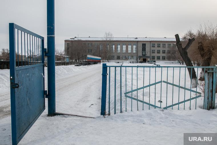 Фото с места событий - стрельбы в школе № 15. Шадринск, шадринск, ворота, школа15