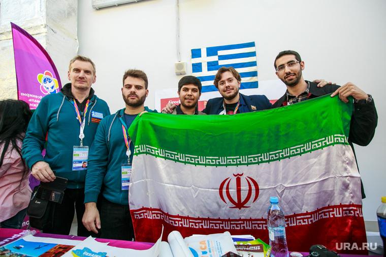 XIX Всемирный фестиваль молодежи и студентов. Второй день. Сочи, фестиваль молодежи и студентов, флаг ирана