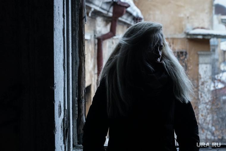 """Съёмки второй серии сериала """"Ловушка для китов"""". Екатеринбург, девушка, кризис, грусть, школьница, тоска, безысходность, подросток, одиночество, тлен, депрессия"""