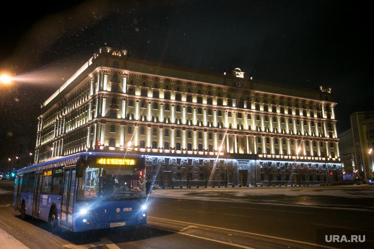 Каток на Красной площади. Москва, транспорт, автобус, здание фсб, вечерняя москва, кгб