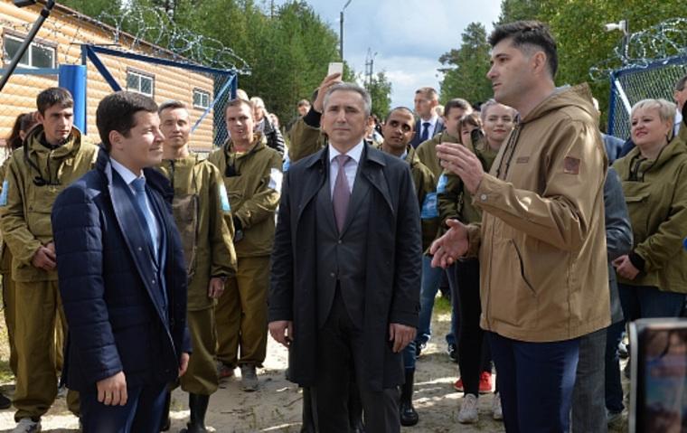 Артюхов в Ноябрьске трогательно поддерживал Моора