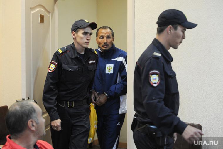 Избрание меры пресечения Касымову Фаригату в суде Центрального района. Челябинск, полиция, касымов фаригат, конвой, арест