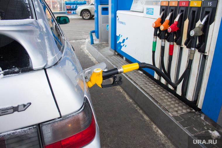 Изображение - Цены на бензин с 1 января 2019 года. последние новости 100637_Zapravka_Gazprom_Hanti_Mansiysk__benzin_zapravka_toplivo_250x0_5184.3456.0.0