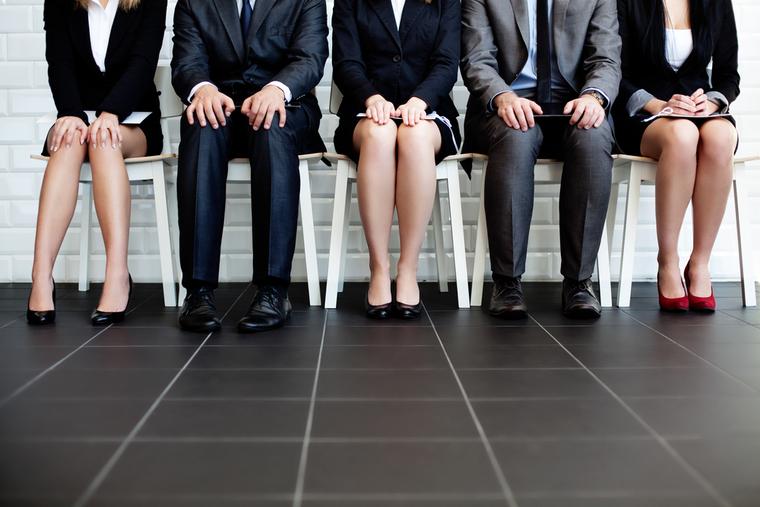 Морг, увольнение, безработица, эмоции, очередь, ожидание, поиск работы, ноги