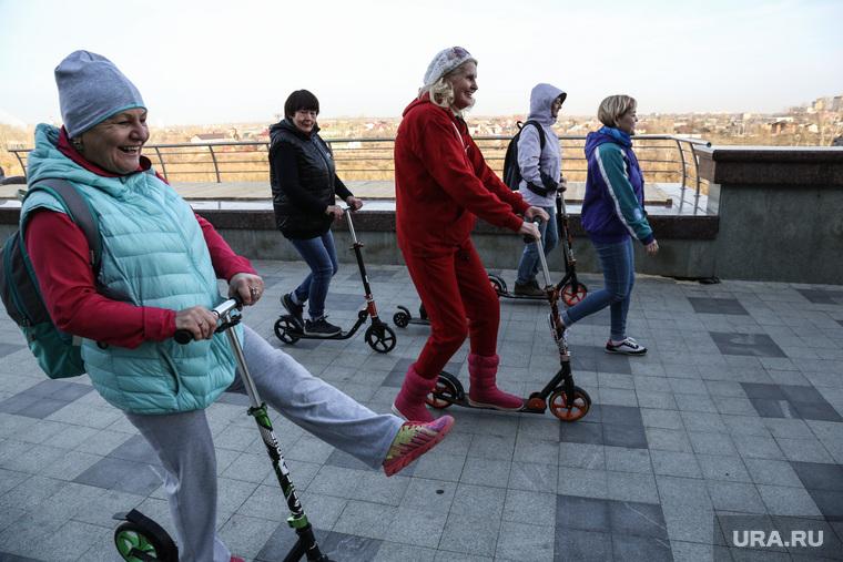 Экскурсия на самокатах для пенсионеров . Тюмень, пенсионеры, самокаты
