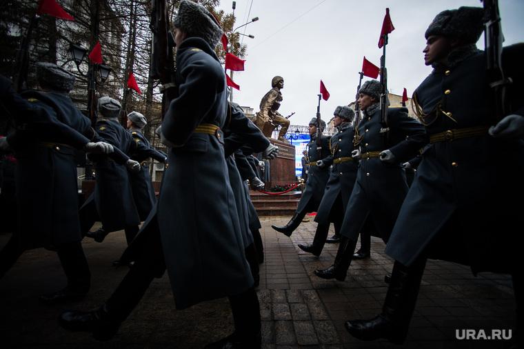 Торжественное открытие памятника «Военным контрразведчикам». Екатеринбург, военные, строевой шаг, памятник военным контрразведчикам