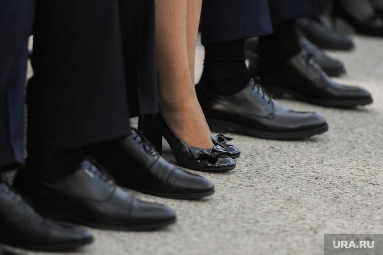 Публичные слушания бюджета на 2019 год. Челябинск, женские туфли, женщина чиновник