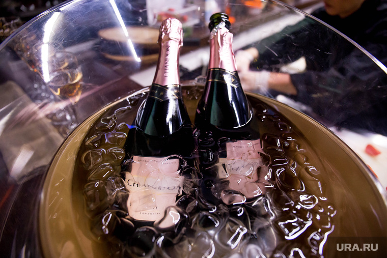 День Рождения караоке Grand Урюк. Екатеринбург, шампанское, ведро со льдом