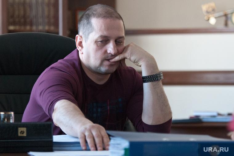 Вячеслав Жилин. Мэр Златоуста, жилин вячеслав, палец во рту