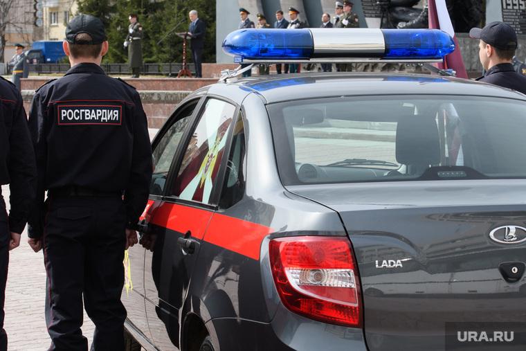 Митинг Росгвардии на площади Советской Армии. Екатеринбург, лада, служебный автомобиль, росгвардия