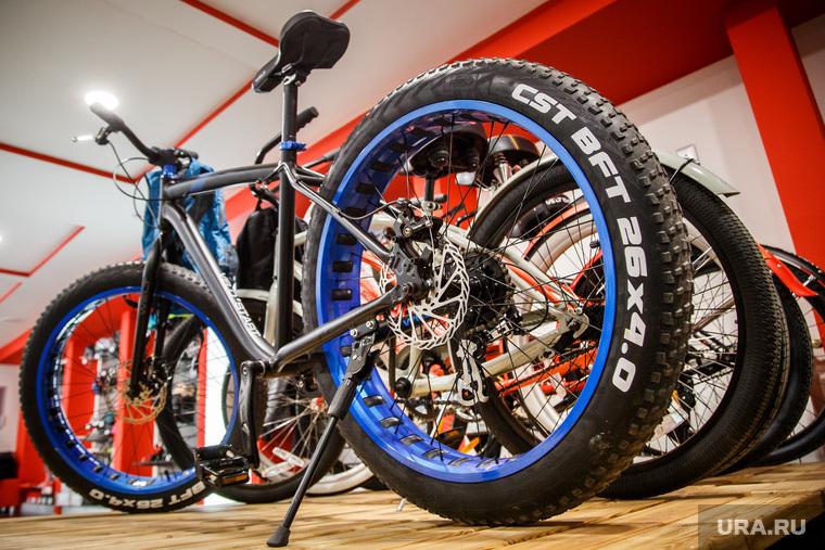 Высокотехнологичные дорогие велосипеды. Екатеринбург, велосипед