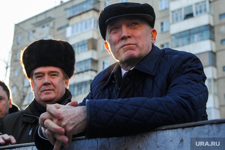 Посещение Дубровским и Елистратовым дворовой ледовой площадки Челябинска