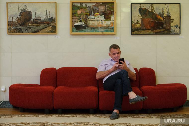 Брифинг Евгения Куйвашева после объявления результатов голосования на выборах губернатора Свердловской области. Екатеринбург