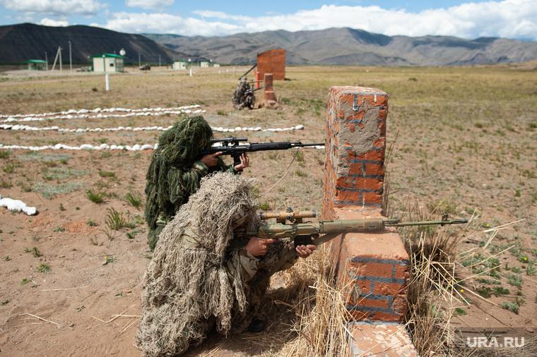 Учения горного мотострелкового соеденинения на полигоне Кара-Хаак. Республика Тыва, Кызыл