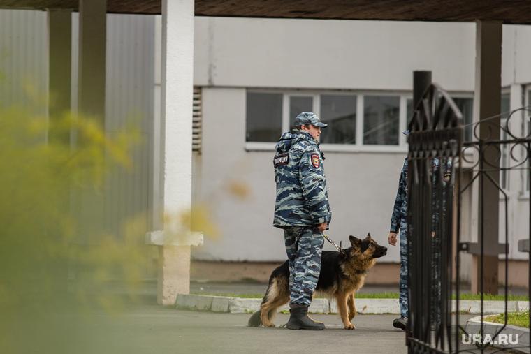 Эвакуация 18 школы после обнаружения предмета похожего на взрывное устройство. Сургут