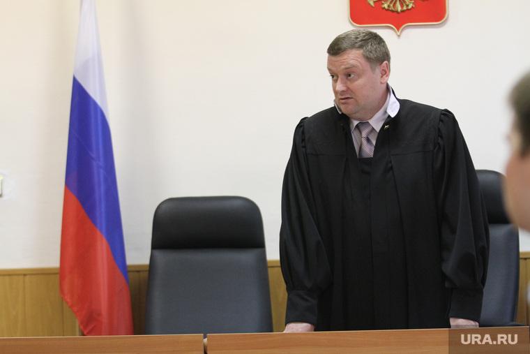 https://s.ura.news/760/images/news/upload/articles/278/679/1036278679/12272_Novaya_Lyalya_Pohoroni_devochek_sudyya_250x0_5184.3456.0.0.jpg
