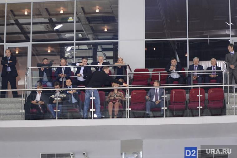Руководители, депутаты, главы городов и районов на хоккее. Челябинск.