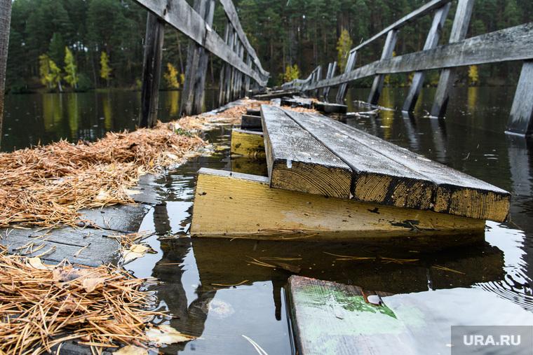 Мост через реку Сысерть. Свердловская область, поселок Луч