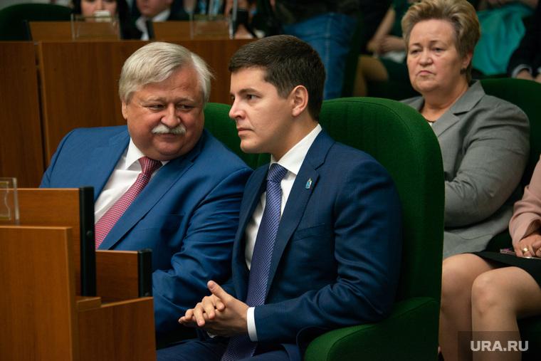 Дмитрий Артюхов Награждение медалистов выпускников. Новый Уренгой