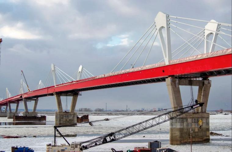 Трансграничный мост через реку Амур с российской стороны возводит компания Руслана Байсарова