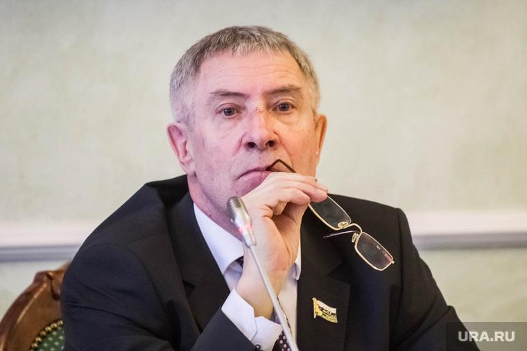 Совещание зампредседателя Тюменской областной думы Геннадия Корепанова  с таксистами. Тюмень