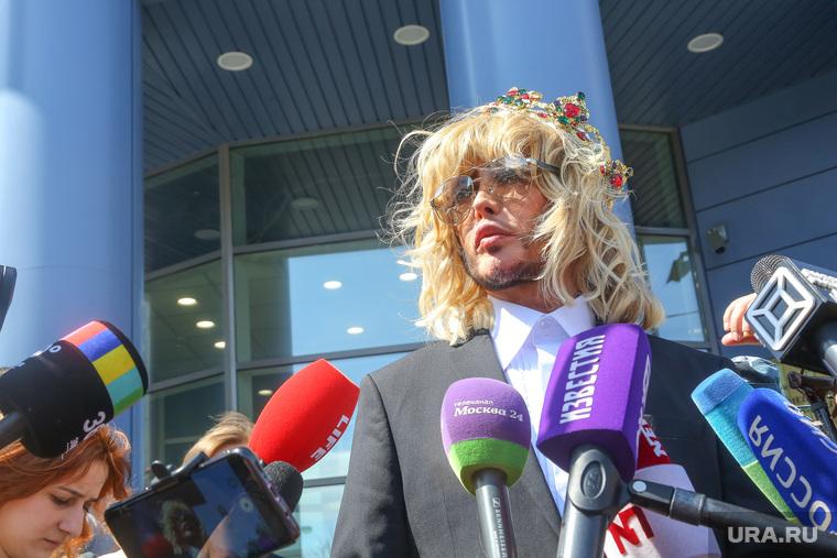 Шоумен и парикмахер Сергей Зверев в Тверском районном суде г. Москвы. Москва