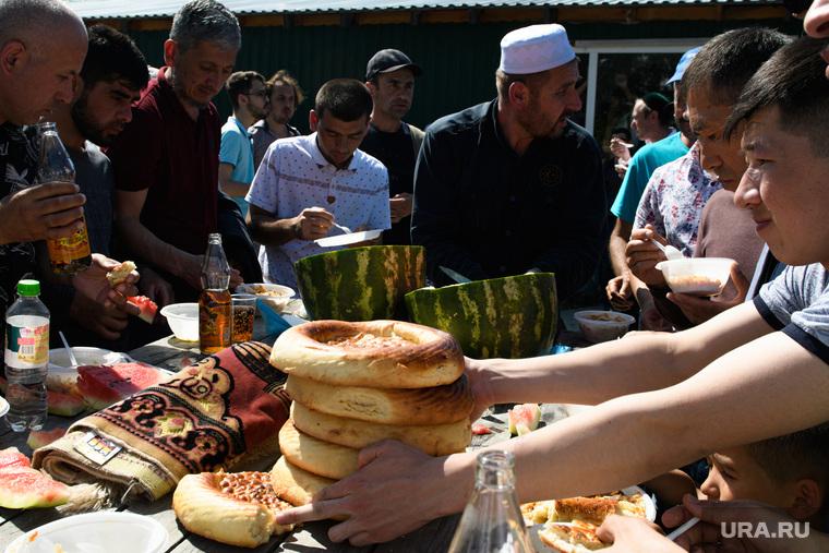 Намаз и PLOV OPEN в мечети Нур-Усман. Екатеринбург
