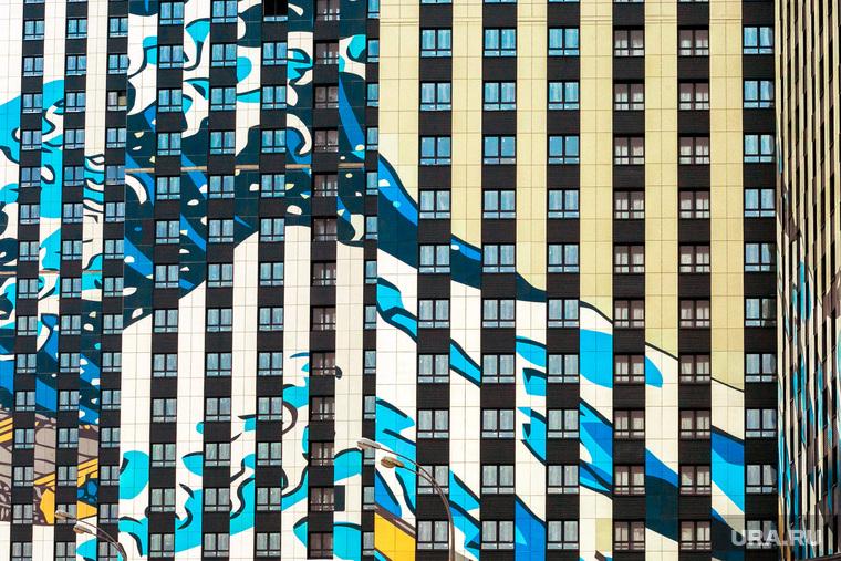 """Граффити по мотивам гравюры Хацусико Хокусая """"Большая волна в Канагаве"""" на жилом комплексе """"Эталон-Сити"""" в Южном Бутове. Москва"""