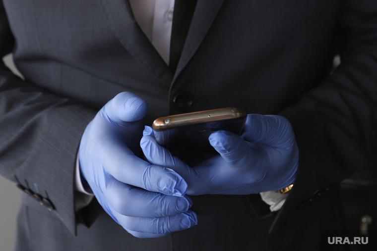 Единая Россия вручает медикам ключи от машины. Курган