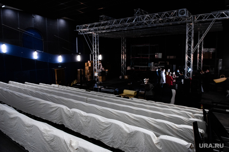 Переезд Екатеринбургский театр кукол в здание кинотеатра «Колизей». Екатеринбург