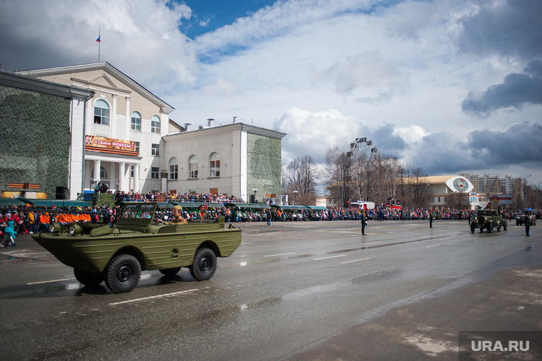 Военный парад, посвященный 73-й годовщине победы в Великой Отечественной войне. Свердловская область, Верхняя Пышма