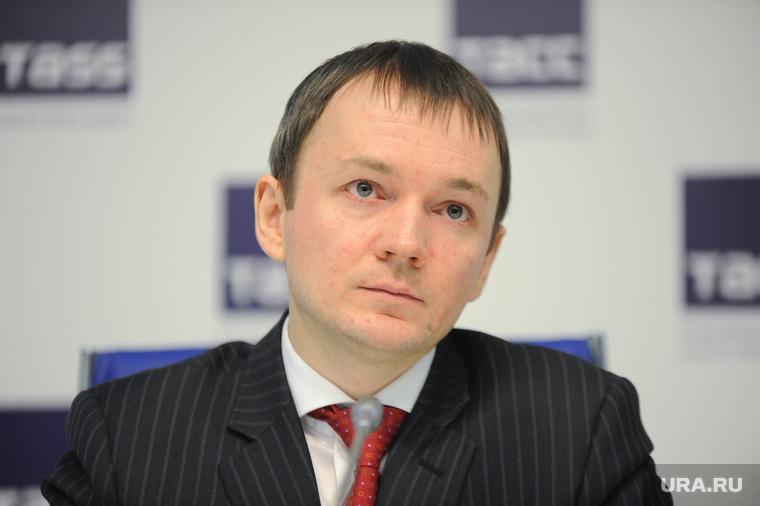 Пресс-конференция, посвященная проблемам развития рынка лекарств в Свердловской области. Екатеринбург