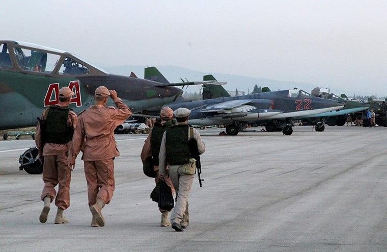 Российские самолеты на авиабазе Хмеймим Сирия.