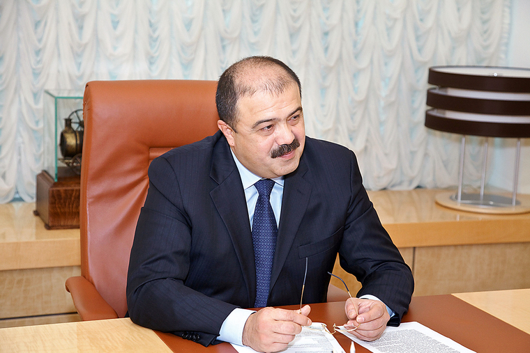 Махмудов Искандер